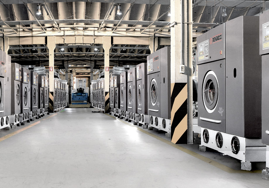 Productieafdeling Renzacci droogkuismachines